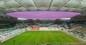 Bursa Büyükşehir Belediye Stadyumu'nun elektrikleri ödenmeyen borçlar nedeniyle kesildi