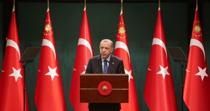 Erdoğan'dan gençlere: Ben de aşığım sizlere