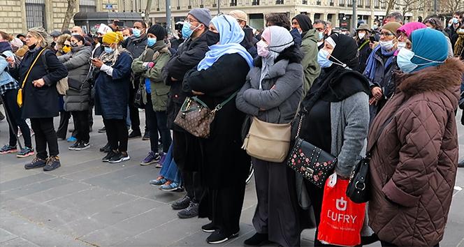 """Paris'te """"ayrılıkçı"""" yasa tasarısı ve İslamofobi protestosu"""